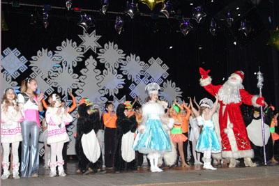 Сценарий новый год на сцене дома культуры